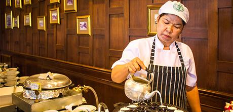 泰國曼谷湄南河古柚木船自助晚餐Wan Fah Dinner Cruise,曼谷Wan Fah Dinner Cruise湄南河遊船