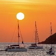布吉珊瑚島雙體帆船日落遊(船上休閑派對+中文+英文導遊)