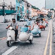 新加坡《瘋狂亞洲富豪》復古Vespa Sidecar騎行體驗